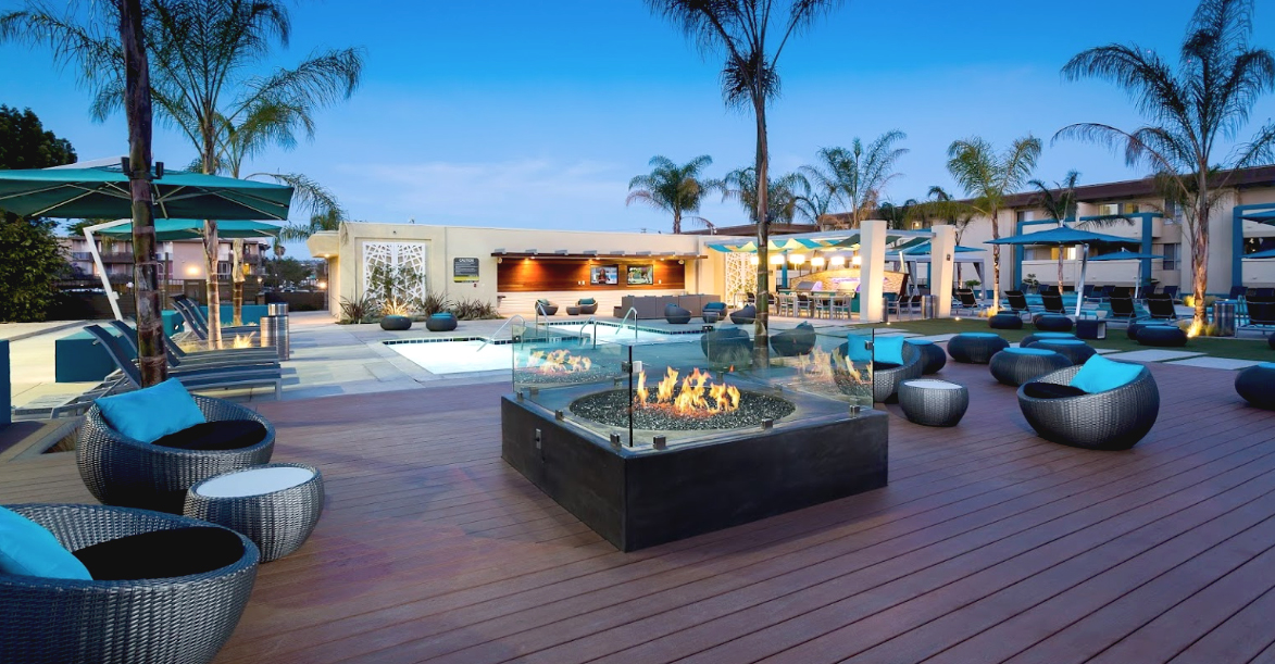 Ava Pacific Beach Apartments Modern Outdoor Furniture