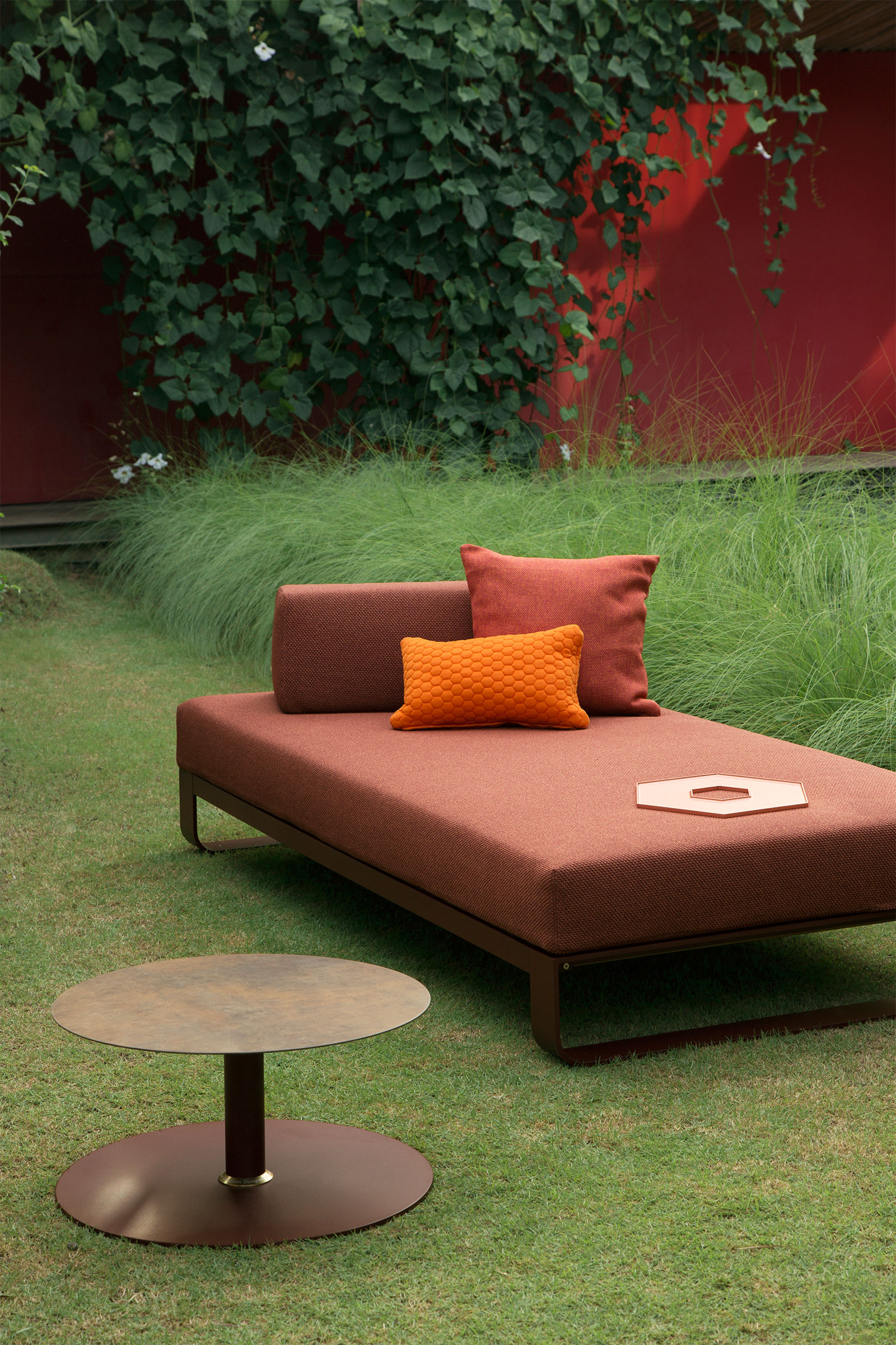 Pure Sectional Sofa & Lounge Bed: Exclusive Outdoor Furniture