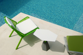 4L Lounger Series